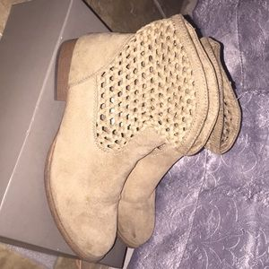 Size 6 Mossimo Supply CO. Tan Booties